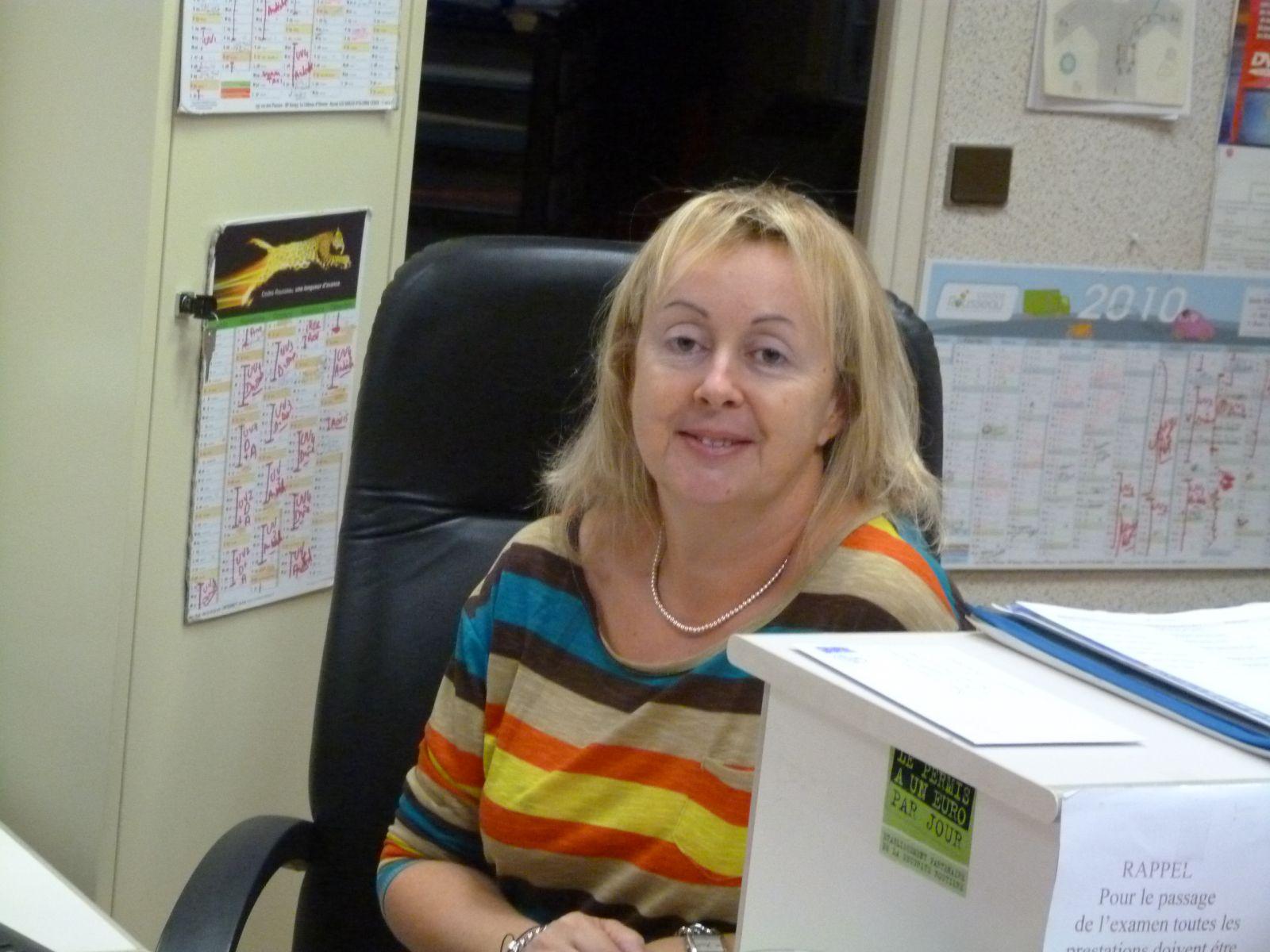 Nathalie secrétaire , administratif, gestion .......