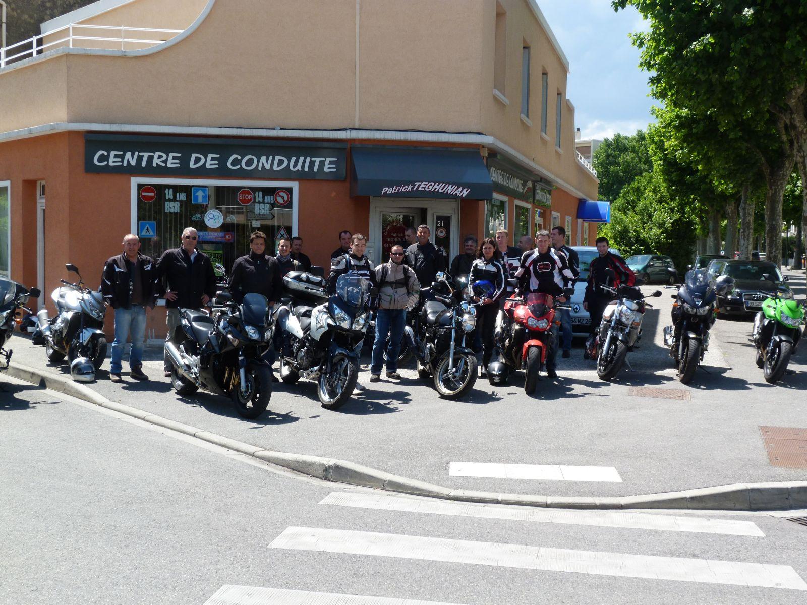Sortie moto avec les anciens élèves mai 2011
